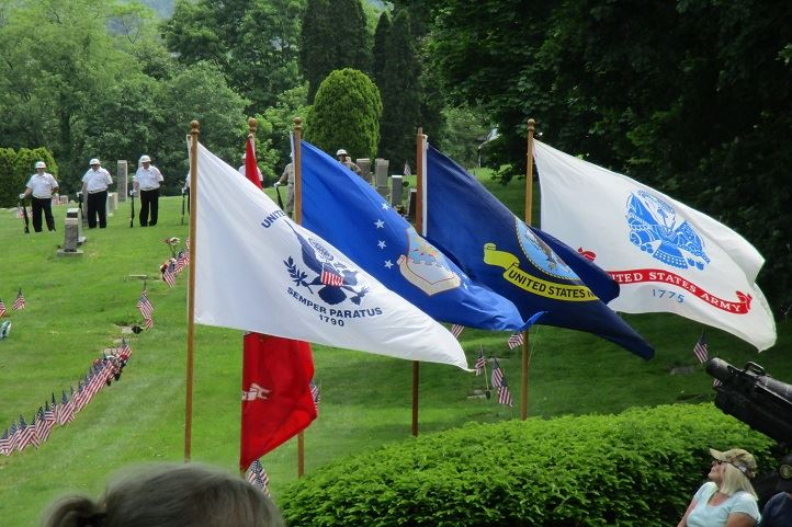 2016 memorial day flags at cemetery